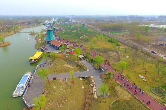 滨州经济技术开发区秦皇河公园.