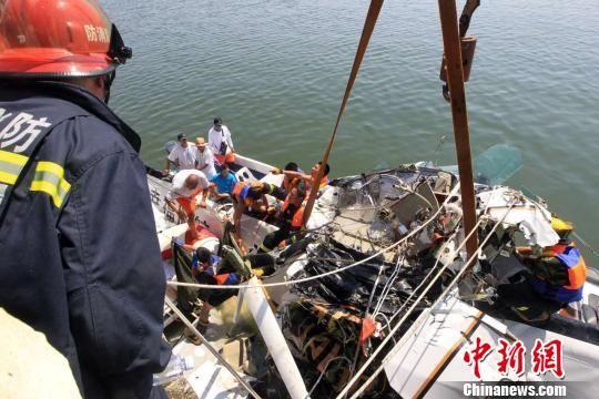 上海金山水上飞机事故致5死 飞机起飞时曾盘旋数次