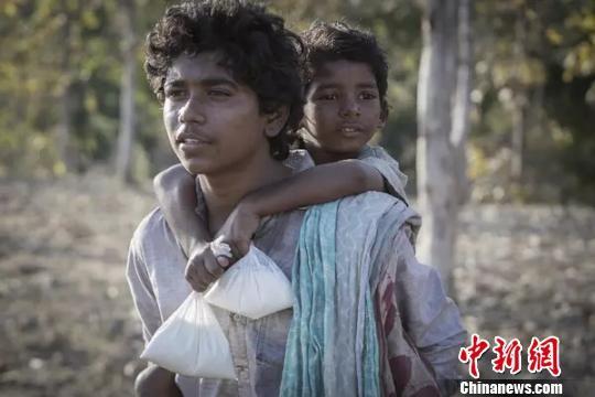 印度寻亲电影《雄狮》中国35城超前看片赚足眼泪